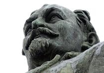 На памятнике Дзержинскому восстановят надписи времен путча
