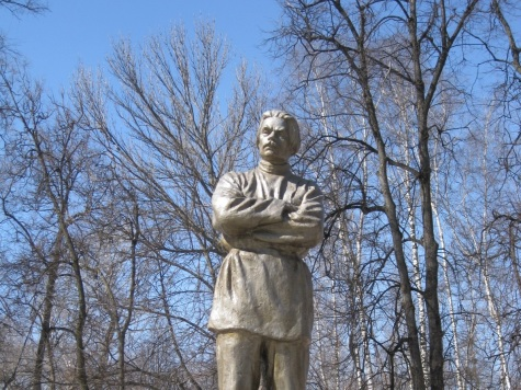 Монумент Горькому возвратят впарк Кулибина вНижнем Новгороде