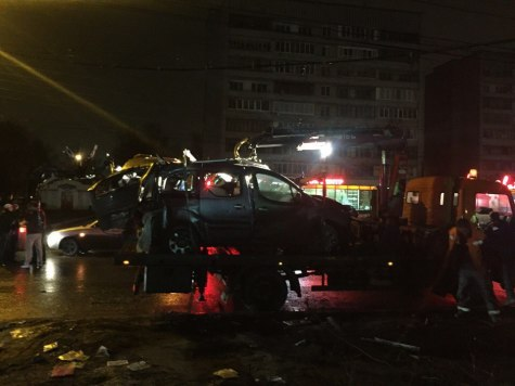 Шофёр  без прав умер , врезавшись встолб вАвтозаводском районе