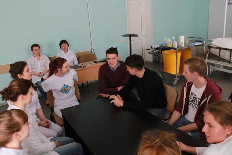 Волонтеры из Германии прошли инструктаж в Нижегородском медицинском колледже
