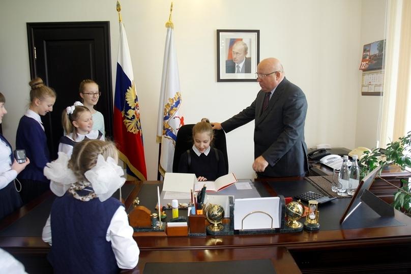 Нижегородский губернатор поиграл в руководство сошкольниками