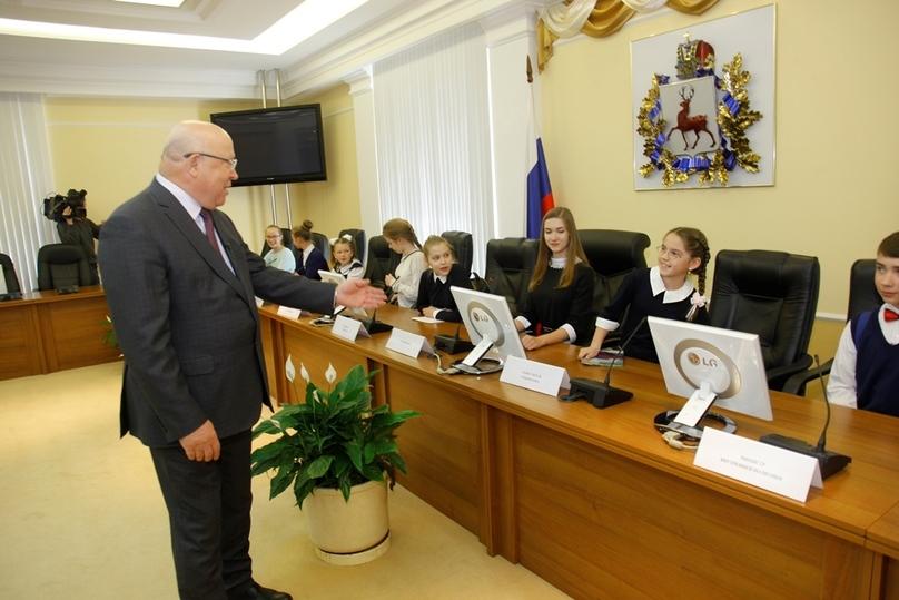 Губернатор Валерий Шанцев поиграл снижегородскими школьниками в руководство