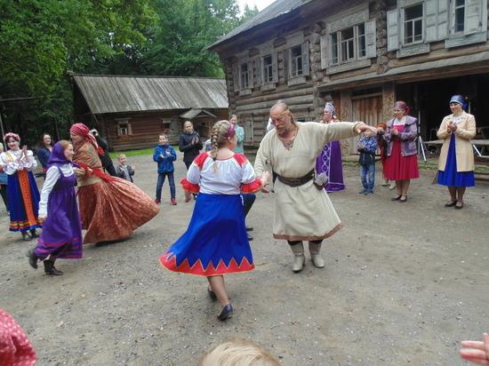 Благотворительный фестиваль «Русская свадьба прошел в Нижнем Новгороде