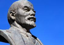 А Ленин-то незаконный: установка памятника вождю в Подмосковье завершилась скандалом
