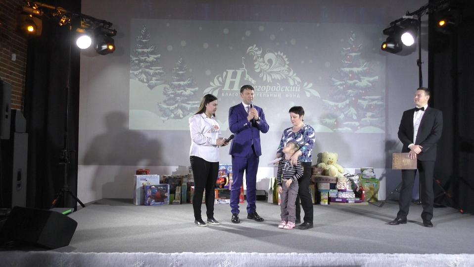 ВНижегородском областном суде повесили люстру затри млн руб.