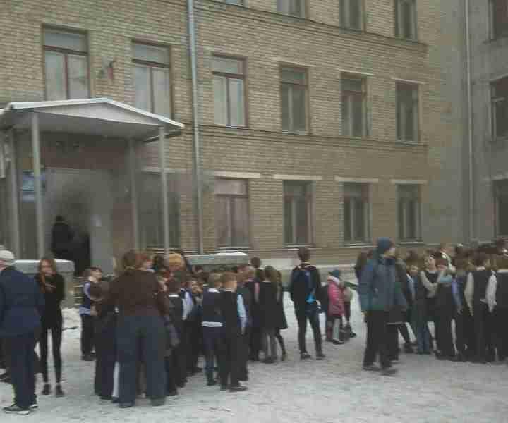 Около 300 человек эвакуировано из-за пожара внижегородской школе